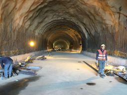 (9) North Tunnel